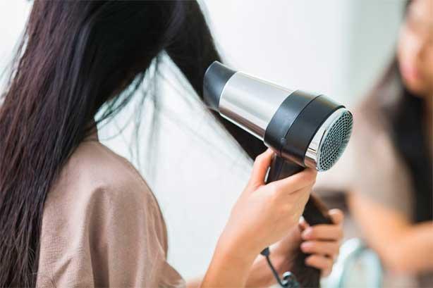 secador y caída del cabello